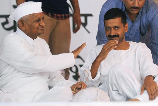Arvind Kejriwal blessed by Anna Hazare